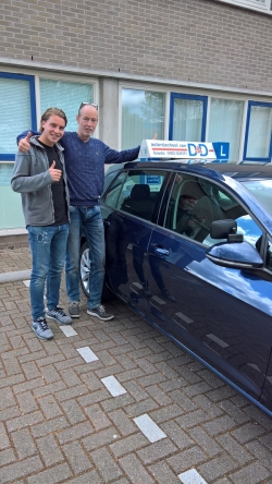 Top Jan, rijbewijs is binnen!